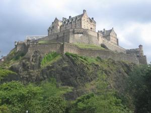 Edinburgh_Castle_Scotland_[1]